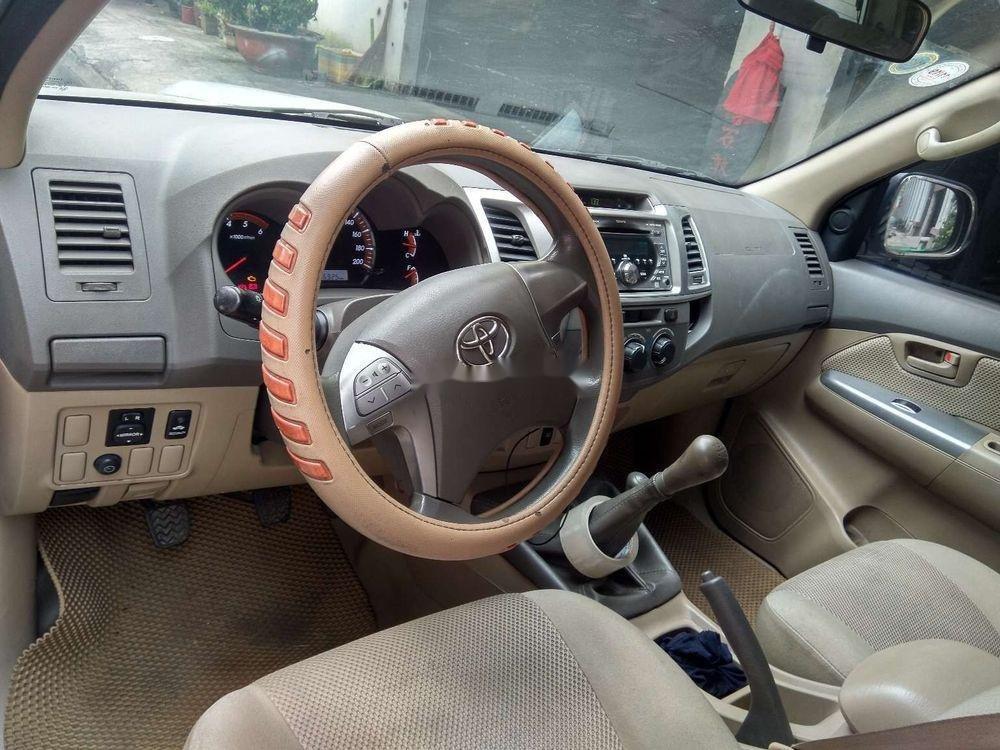 Cần bán lại xe Toyota Hilux 3.0 (4x4) đời 2013, màu bạc, nhập khẩu Thái, chính chủ (7)
