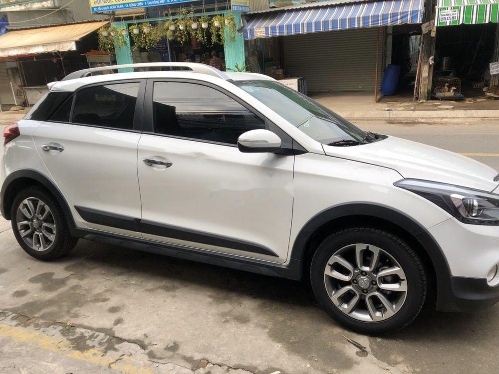 Cần bán Hyundai i20 Active đời 2017, màu trắng (2)