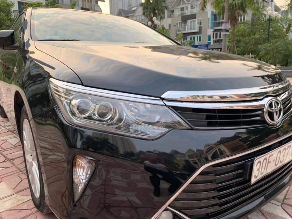 Bán Toyota Camry 2.0E đen kem model 2018 (9)