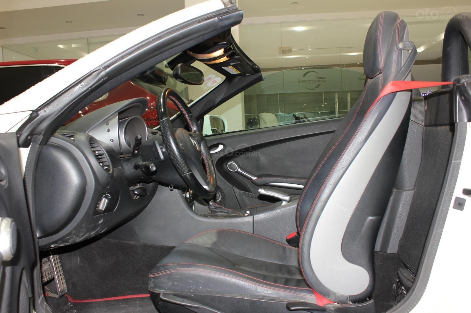 Mercedes SLK 200 sx 2009, mui trần, màu trắng, biển thành phố (8)