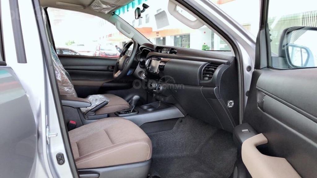 Toyota Hilux 2019 số tự động nhập Thái mới 100% (3)