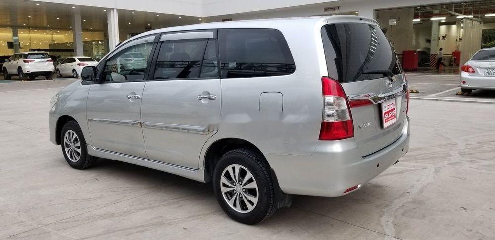 Bán Toyota Innova 2.0E đời 2015, màu bạc, 565 triệu (4)
