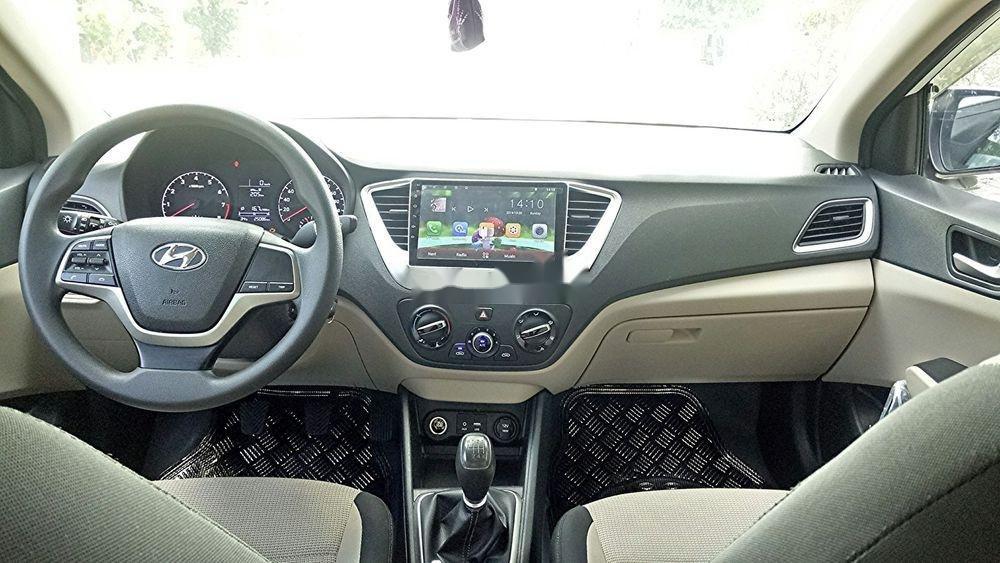 Bán ô tô Hyundai Accent năm sản xuất 2018, màu trắng, nhập khẩu, số sàn giá tốt (3)