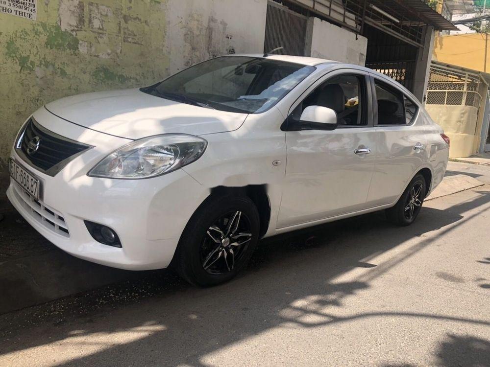 Cần bán Nissan Sunny sản xuất 2017, nhập khẩu nguyên chiếc chính hãng (2)