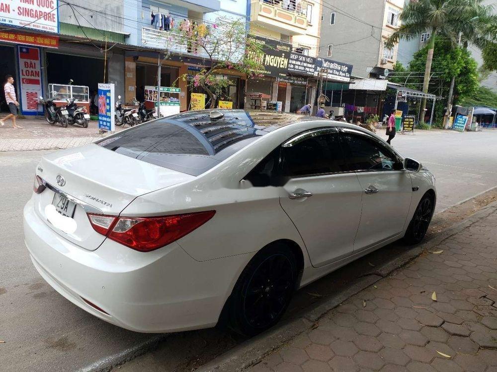 Cần bán xe Hyundai Sonata sản xuất năm 2011, giá cạnh tranh, còn nguyên bản (6)