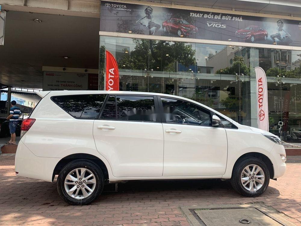 Cần bán Toyota Innova  2.0E MT đời 2018, màu trắng số sàn (6)