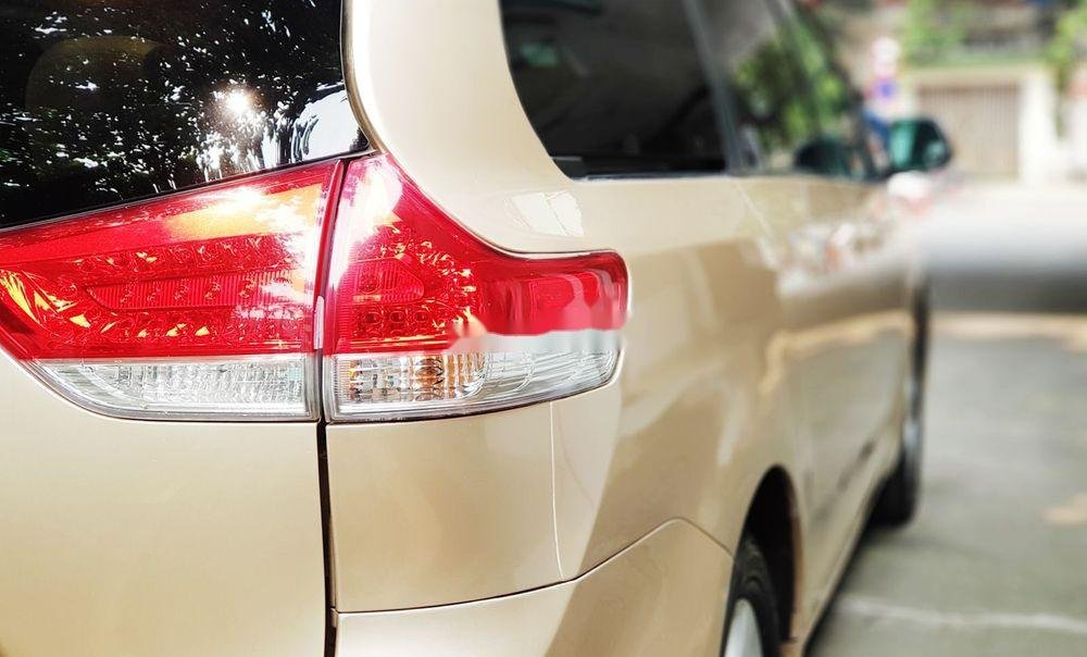 Cần bán lại xe Toyota Sienna đời 2011, xe nhập khẩu chính hãng (6)