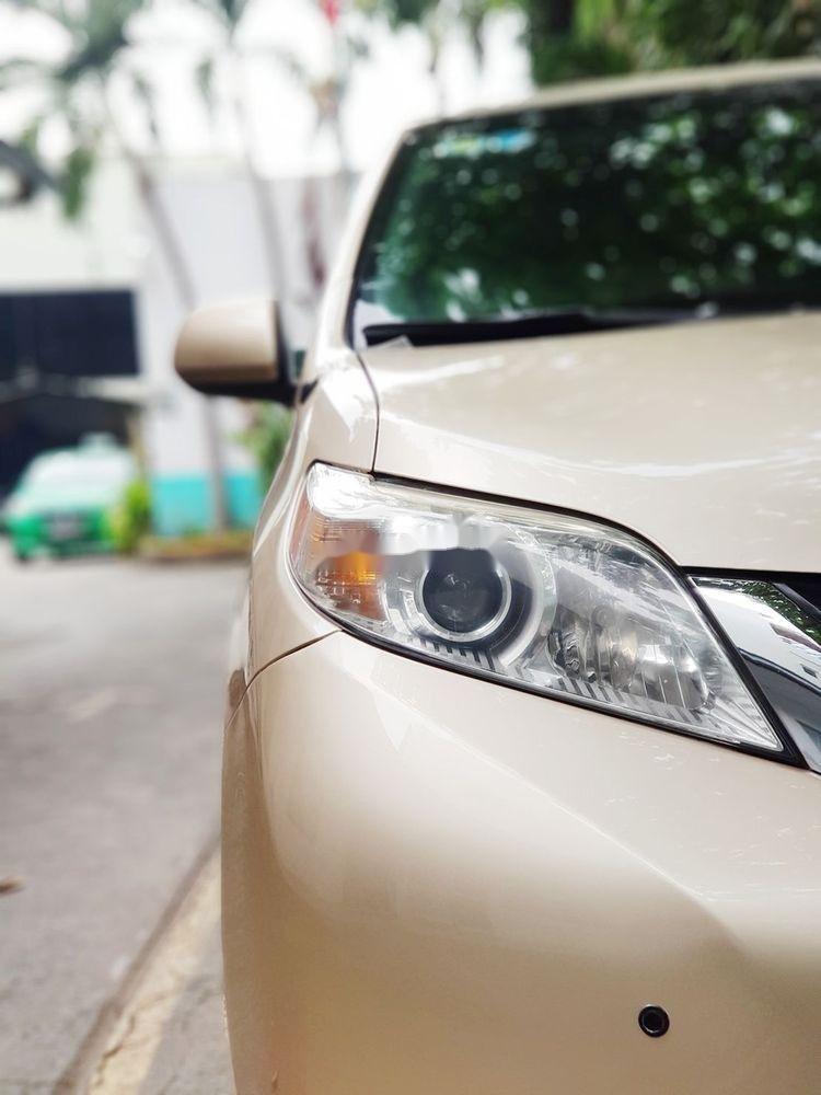 Cần bán lại xe Toyota Sienna đời 2011, xe nhập khẩu chính hãng (3)