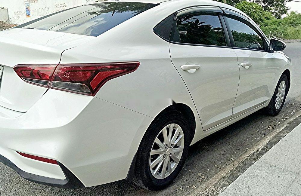 Bán ô tô Hyundai Accent năm sản xuất 2018, màu trắng, nhập khẩu, số sàn giá tốt (6)