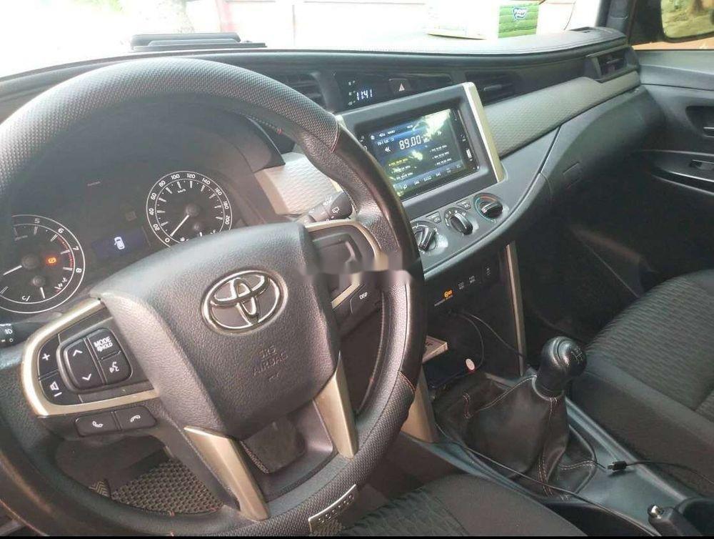 Bán ô tô Toyota Innova đời 2018 chính chủ, mọi thứ nguyên bản (6)