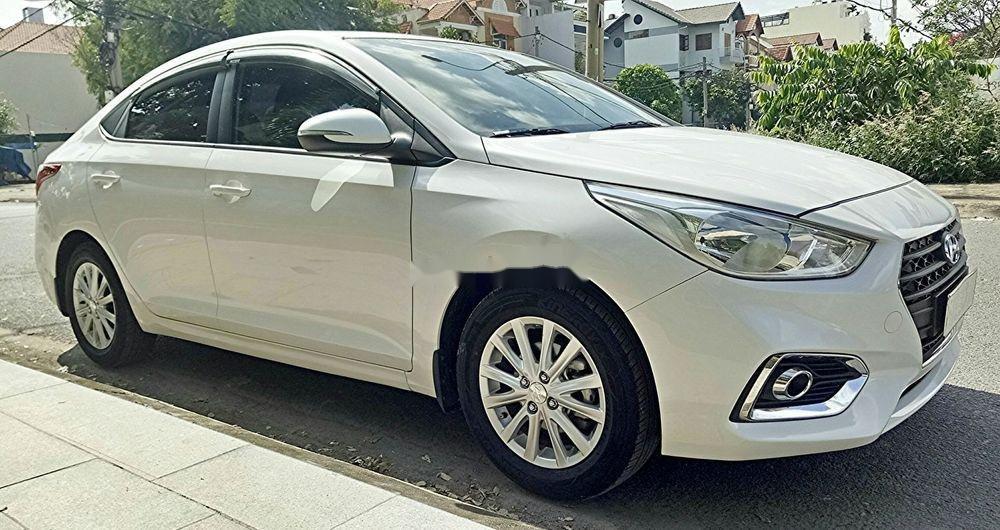 Bán ô tô Hyundai Accent năm sản xuất 2018, màu trắng, nhập khẩu, số sàn giá tốt (7)