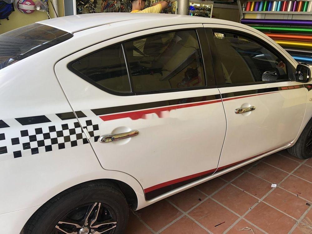 Cần bán Nissan Sunny sản xuất 2017, nhập khẩu nguyên chiếc chính hãng (1)