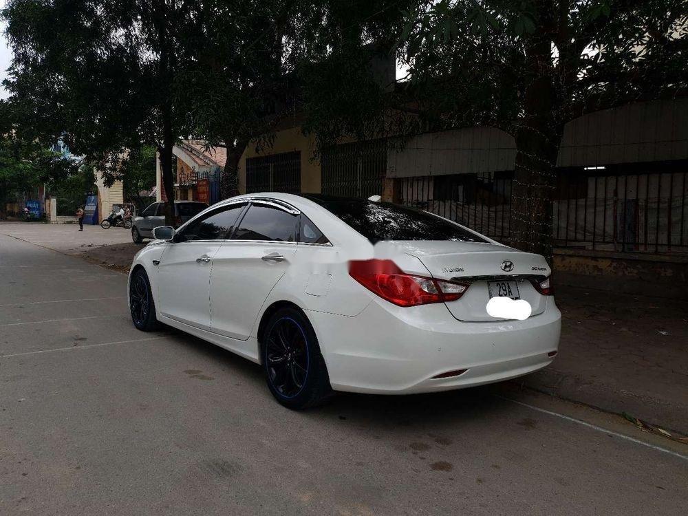 Cần bán xe Hyundai Sonata sản xuất năm 2011, giá cạnh tranh, còn nguyên bản (2)