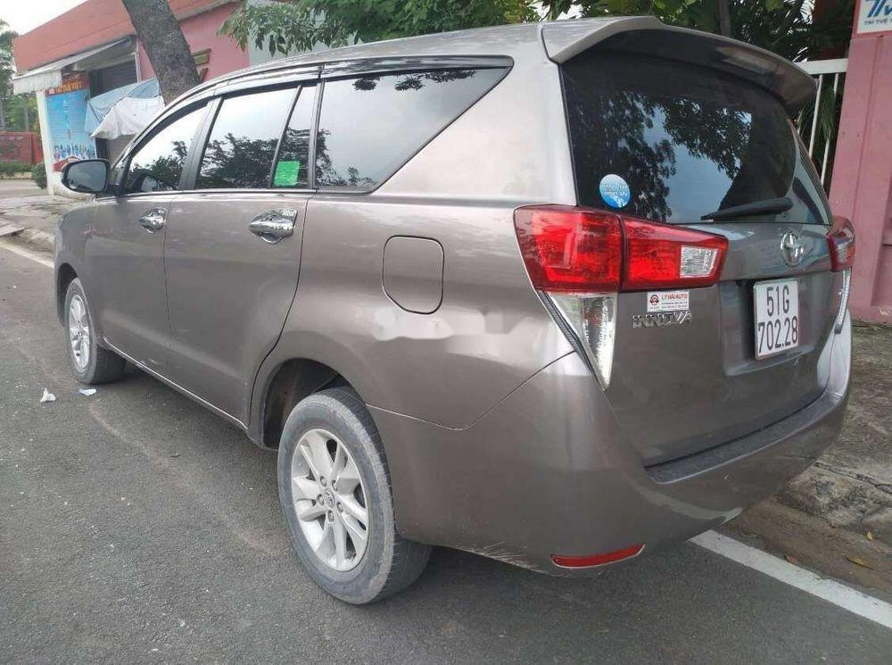 Bán ô tô Toyota Innova đời 2018 chính chủ, mọi thứ nguyên bản (4)