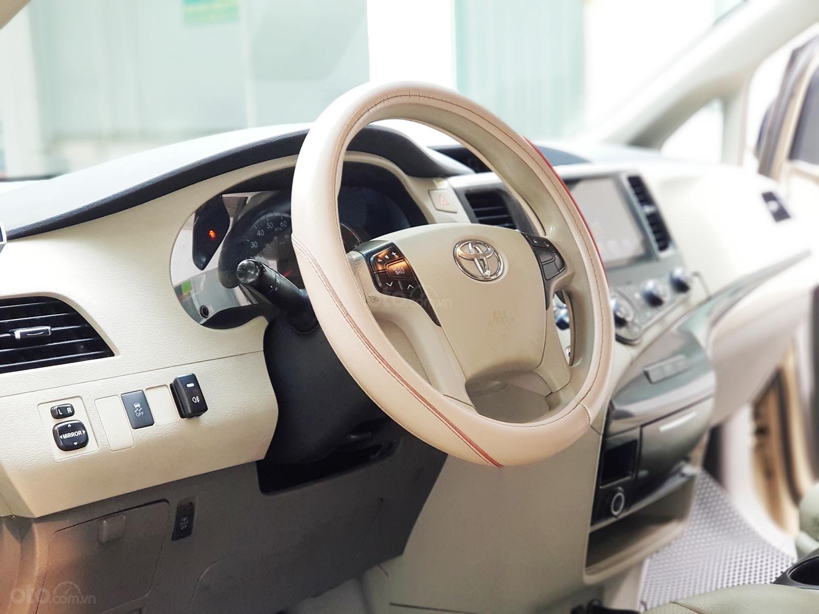 Bán xe Toyota Sienna 2011 3.5 LE nhập khẩu Mỹ (20)