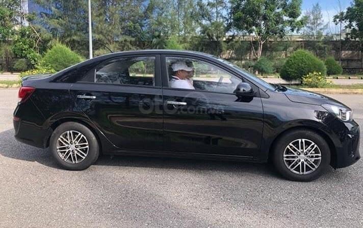 Kia Soluto giảm sốc cuối tháng 10 - Trả trước 130tr nhận xe (2)