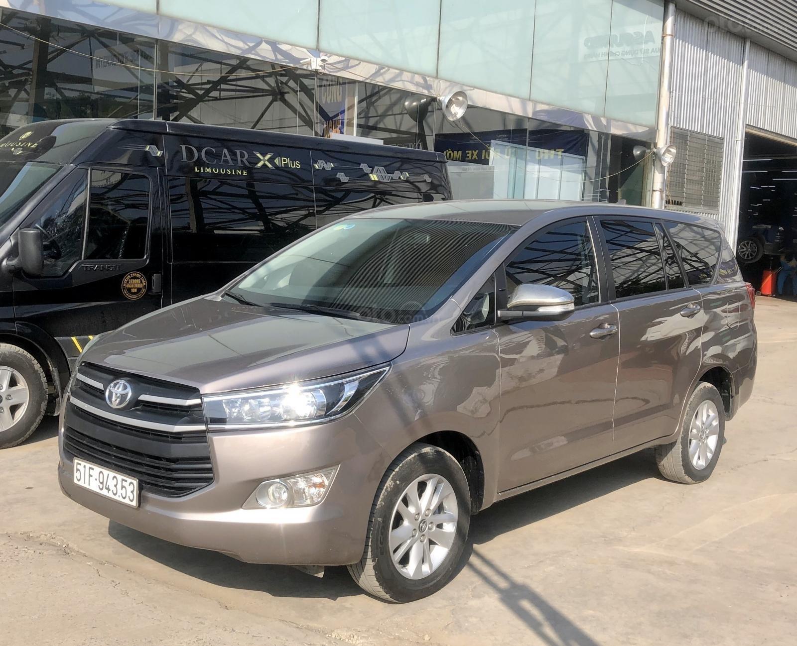 Bán Toyota Innova 2.0E 4x2 MT 2017, xe bán tại hãng có bảo hành (3)