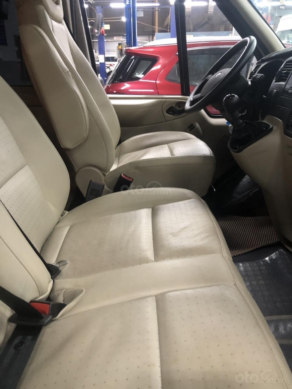 Xe Ford Transit Luxury năm sản xuất 2018, màu bạc (11)