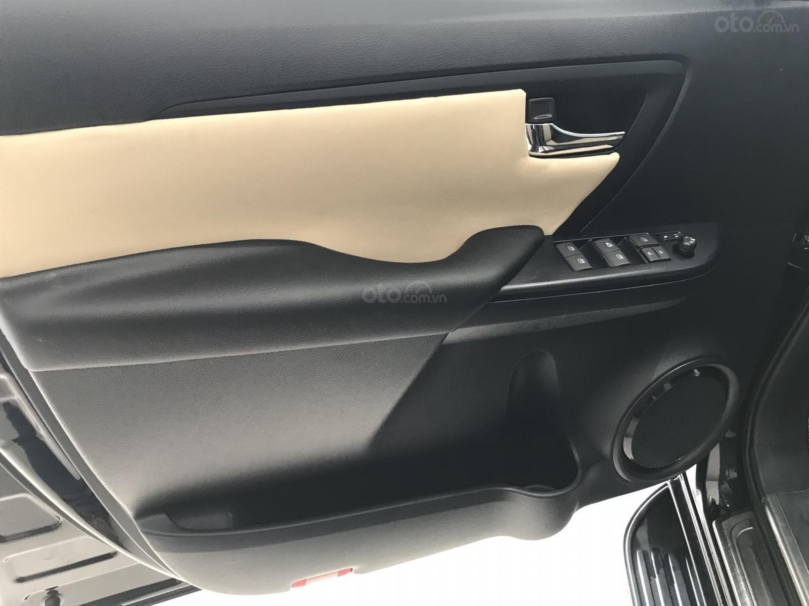 Fortuner- 2.4 MT 2017, màu đen, xe nhập nguyên chiếc (10)