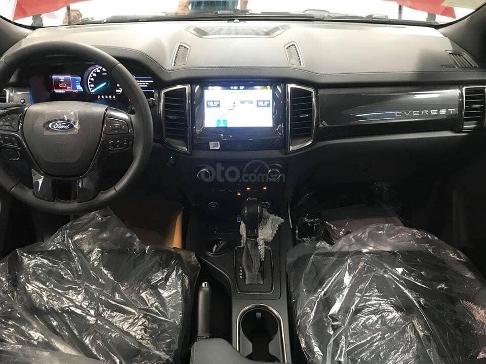 Cần bán Ford Everest Titanium năm 2019, màu bạc, xe nhập, hỗ trợ trả góp 80% Call 0838936789 (4)