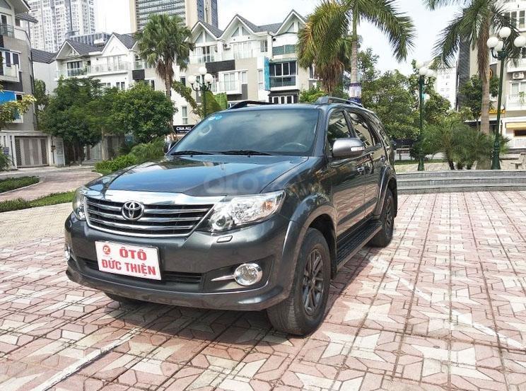 Toyota Fortuner 2.7 V 4x4 đời 2016 (4)