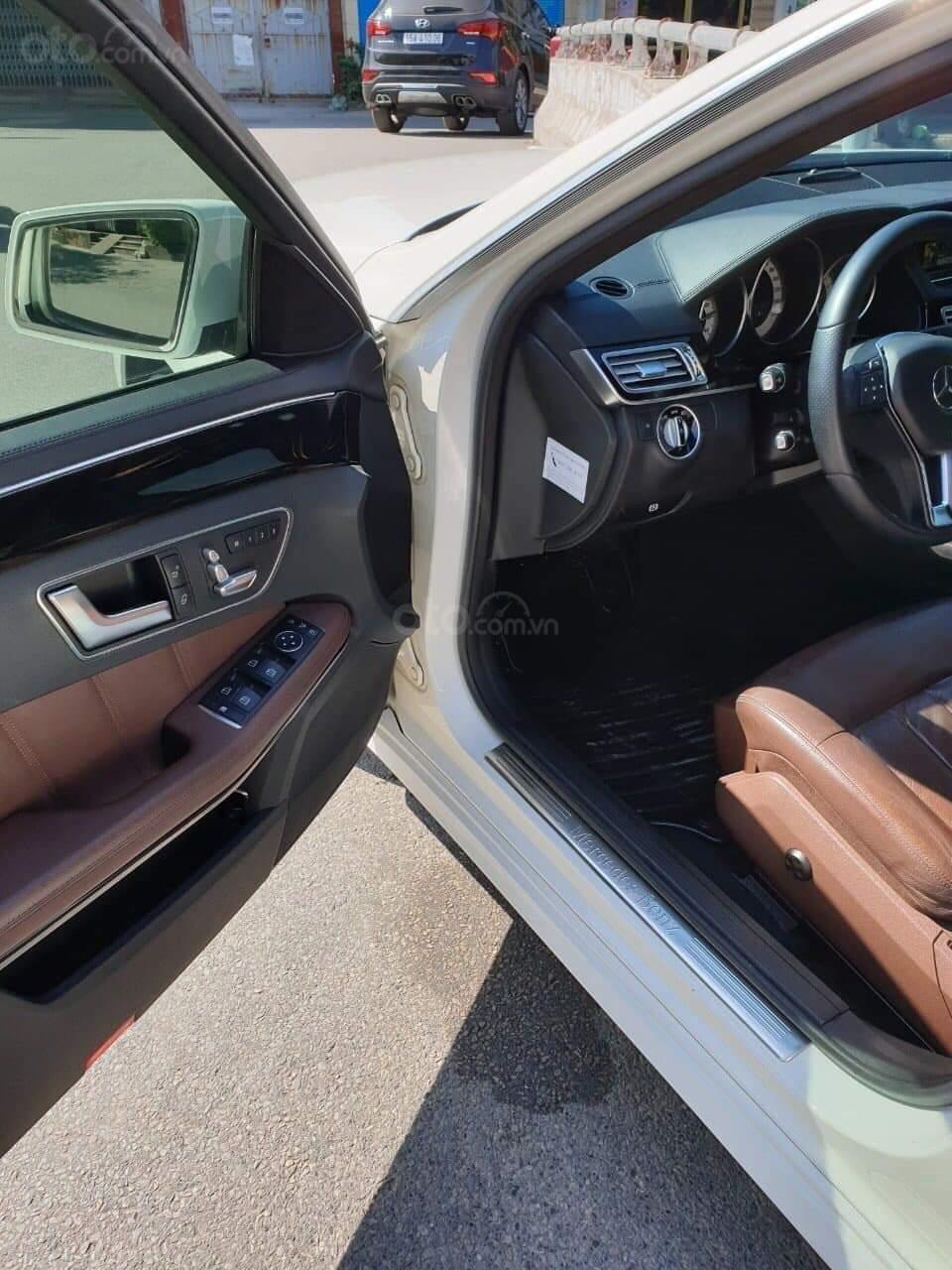 Bán xe Mercedes E250 đời 2014, màu trắng chính chủ (5)