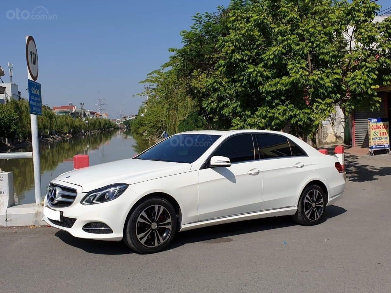 Bán xe Mercedes E250 đời 2014, màu trắng chính chủ (1)