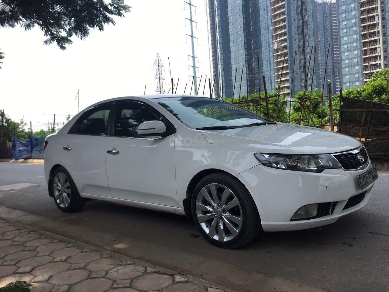 Xe Kia Forte năm sản xuất 2011, màu trắng số tự động (1)