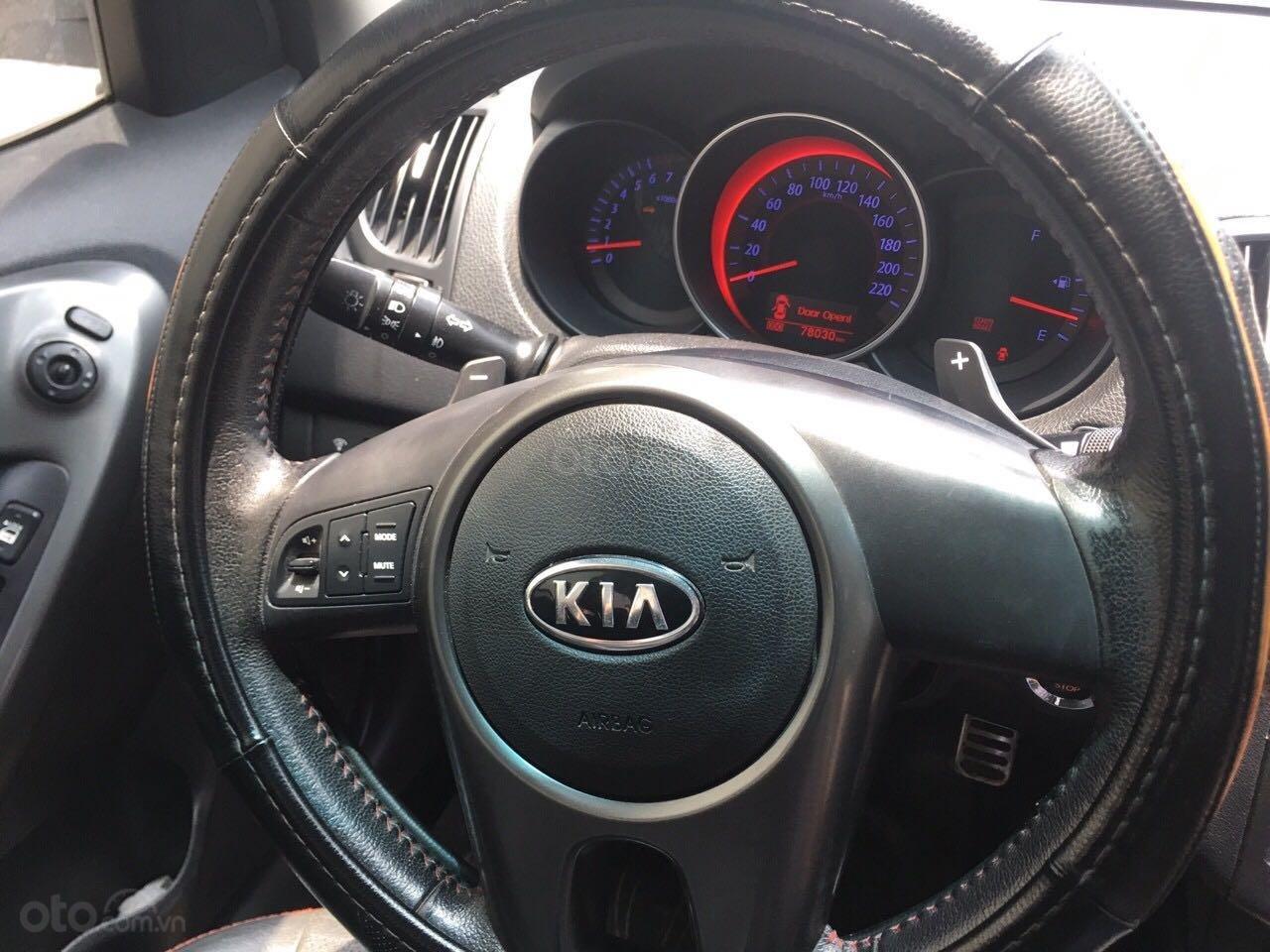 Xe Kia Forte năm sản xuất 2011, màu trắng số tự động (6)