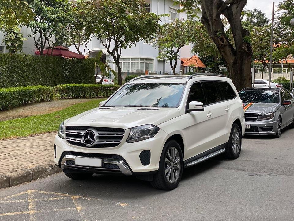 Bán Xe Mercedes GLS400 4MATIC trắng 2017, trả trước 1 tỷ 400 triệu nhận xe ngay (2)
