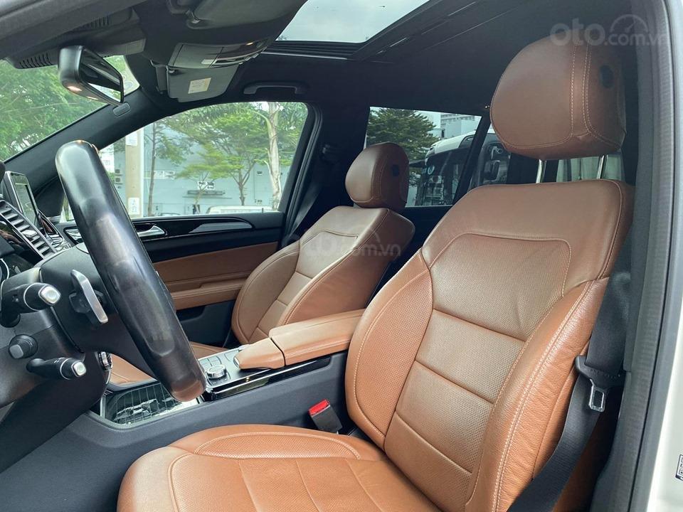 Bán Xe Mercedes GLS400 4MATIC trắng 2017, trả trước 1 tỷ 400 triệu nhận xe ngay (9)