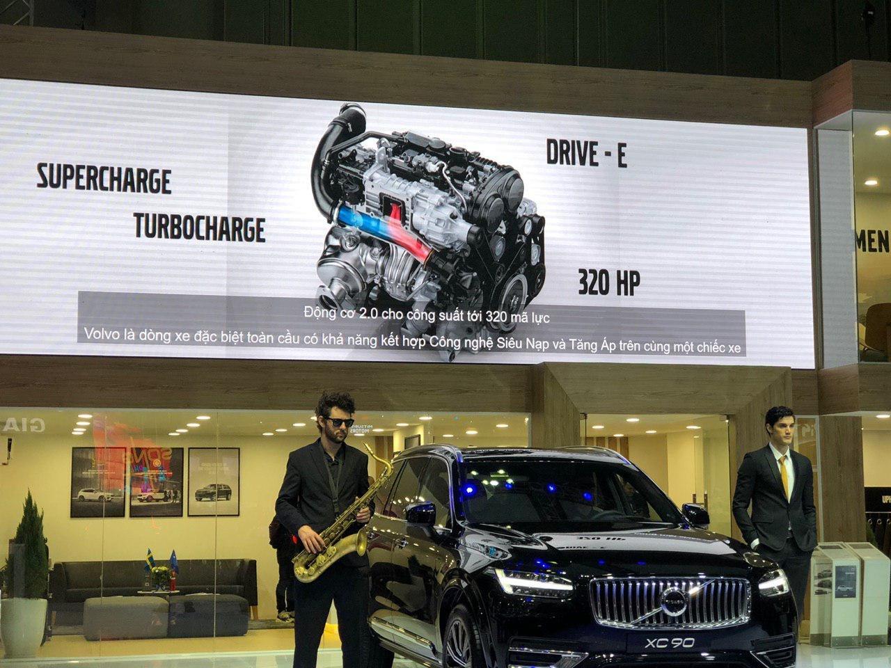 Động cơ Drive – E T6 2.0 giúp Volvo XC90 facelift đạt công suất 320 mã lực.