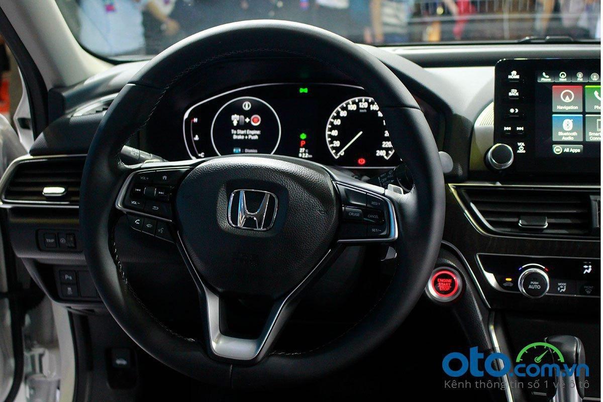 Honda Accord 2020 sở hữu vô lăng ba chấu bọc da thể thao.