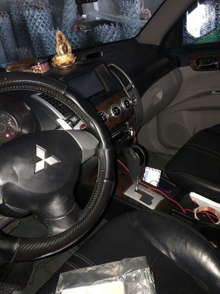 Bán Mitsubishi Pajero AT sản xuất năm 2012, xe nhập (2)