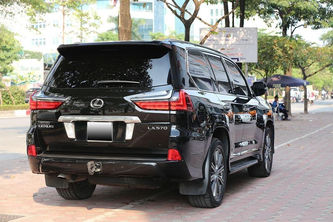 Bán Lexus LX 570 năm sản xuất 2016, màu đen (3)