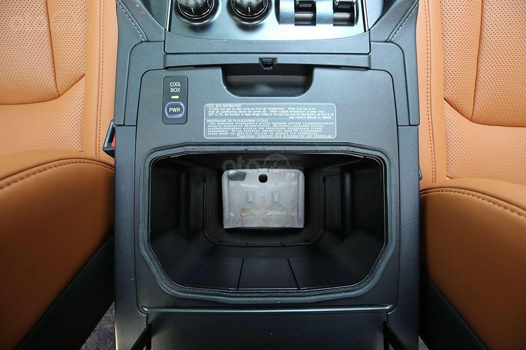 Bán Lexus LX 570 năm sản xuất 2016, màu đen (10)
