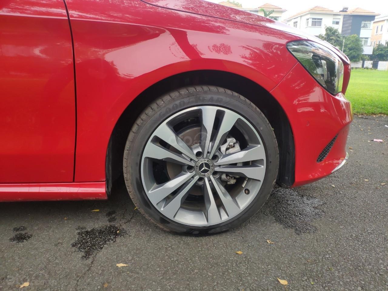 Giá tốt: Mercedes Benz CLA 200 2019 màu đỏ, đi 68km (7)