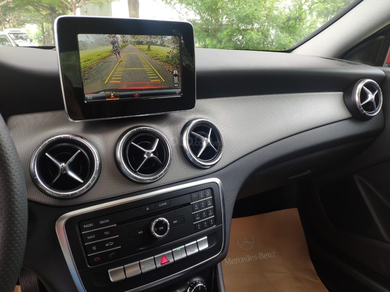 Giá tốt: Mercedes Benz CLA 200 2019 màu đỏ, đi 68km (9)