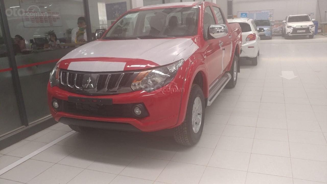 Bán xe Mitsubishi Triton 4x2AT, đủ màu, giao ngay, xe nhập, giá tốt (2)
