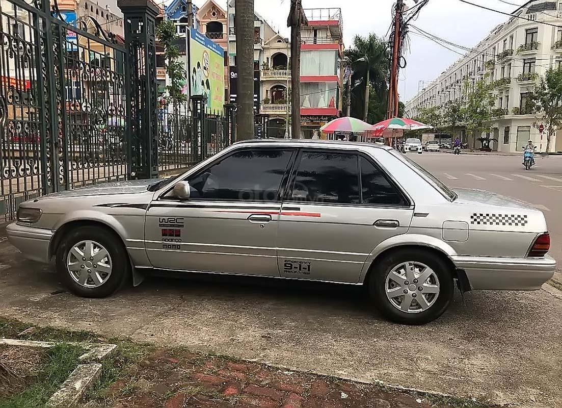 Bán Nissan Bluebird đời 1992, màu bạc, nhập khẩu chính chủ (1)