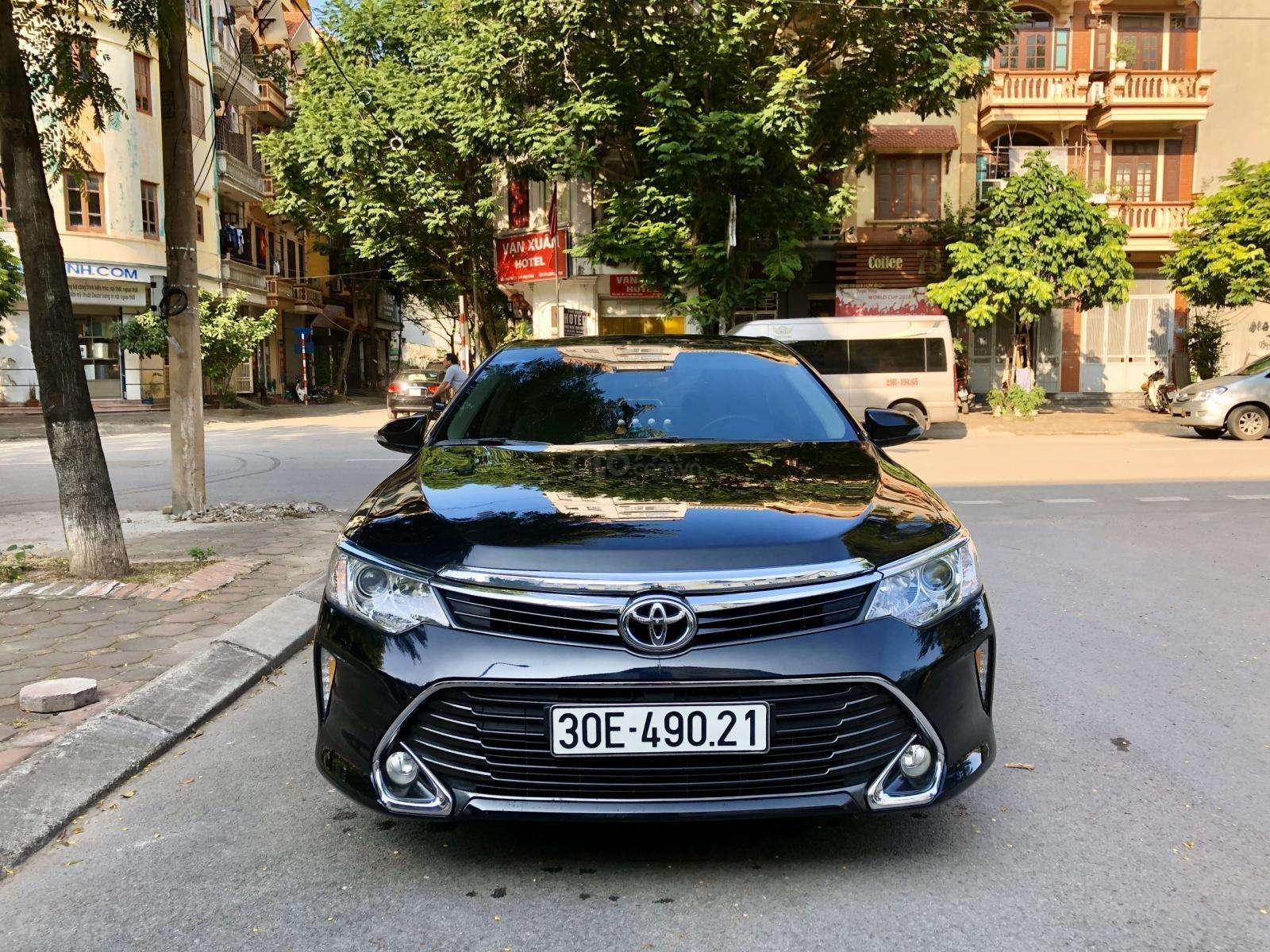 Bán gấp xe Toyota Camry 2.0 đời 2017 tư nhân chính chủ Hà Nội. LH: 084.765.5555 (2)