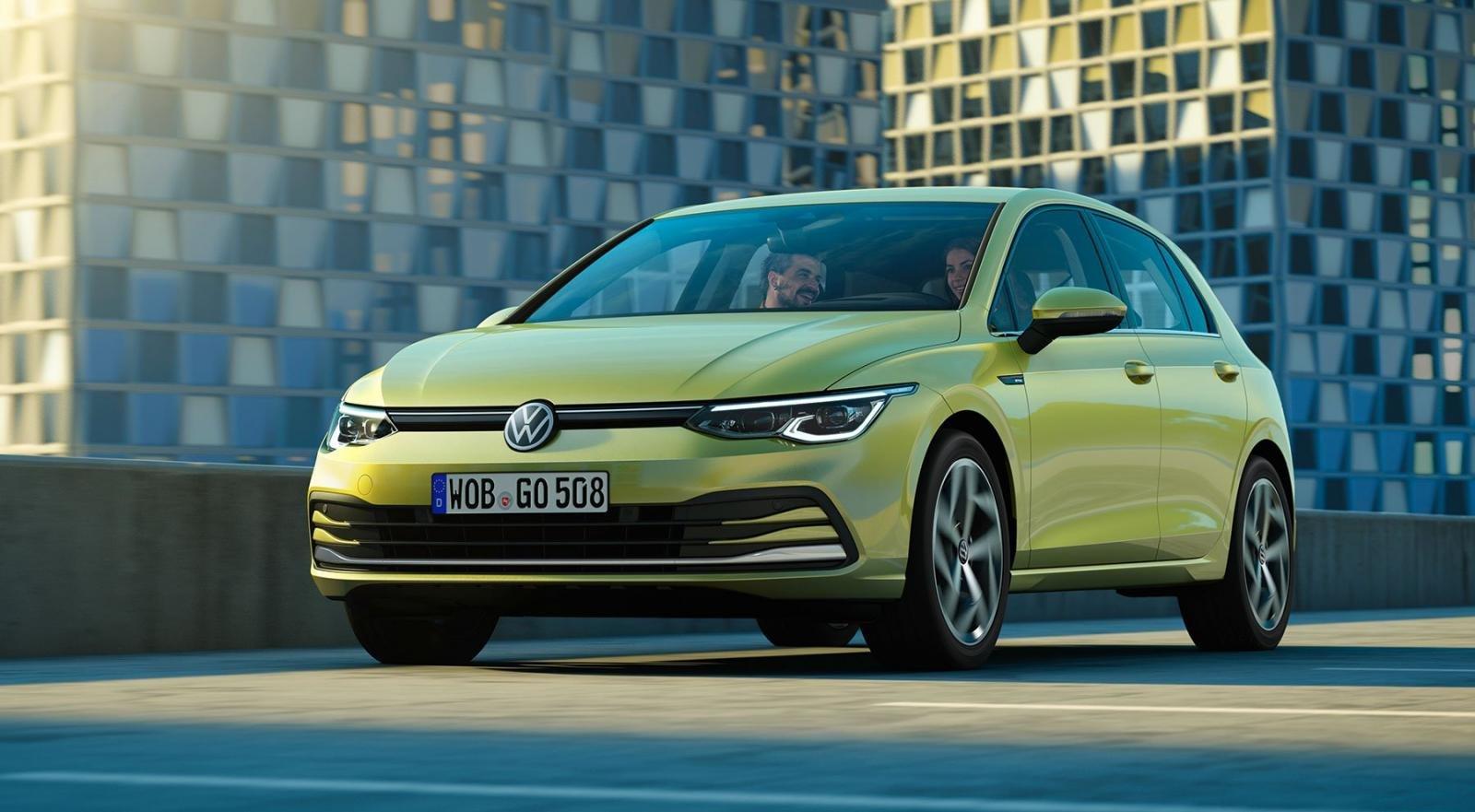 Volkswagen Mk8 Golf 2020 sở hữu đèn pha hoàn toàn mới mỏng hơn và đèn chạy ban ngày phong cách hơn.