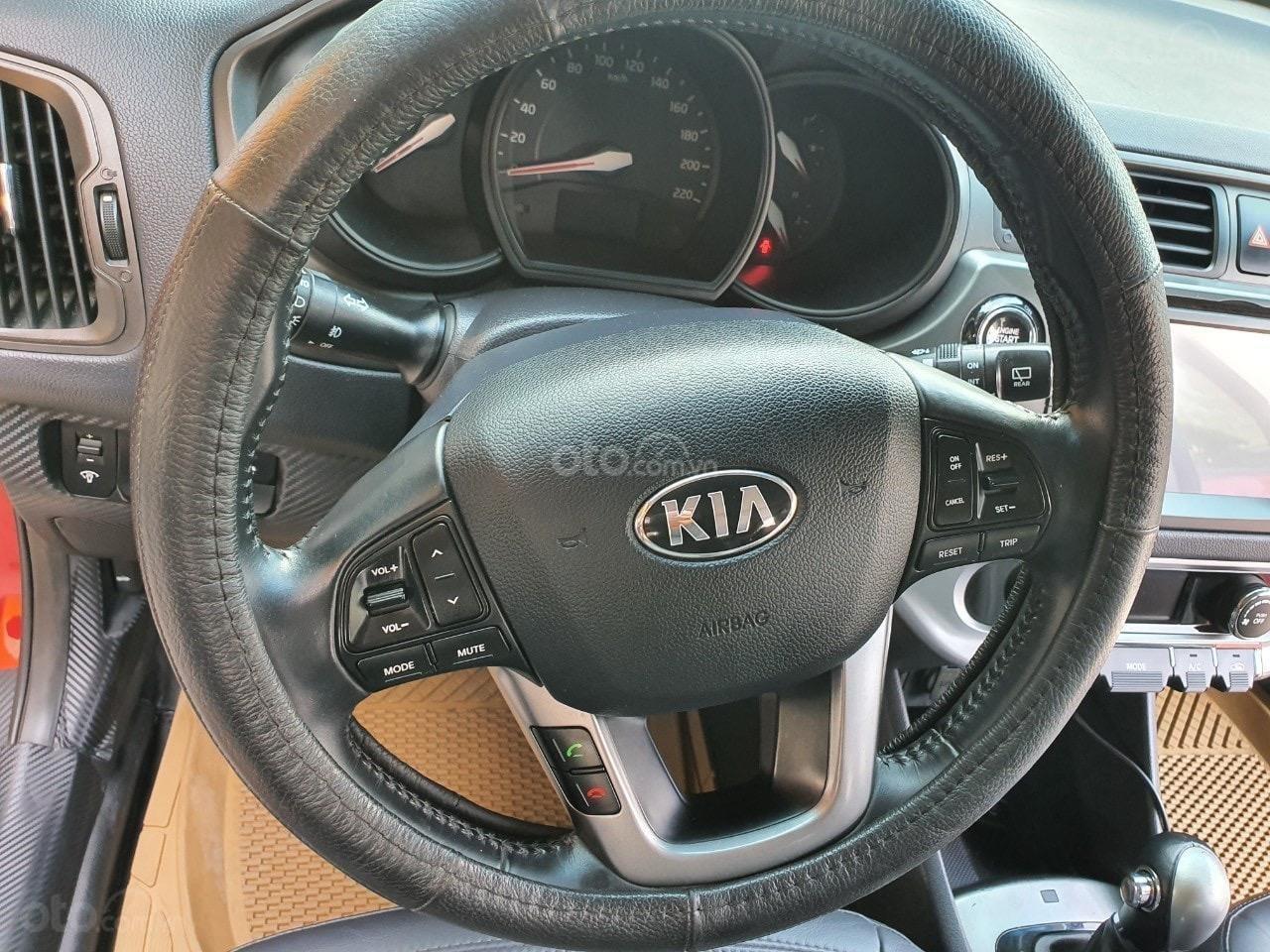 Kia Rio Hatchback 1.4 - 2014 (5)