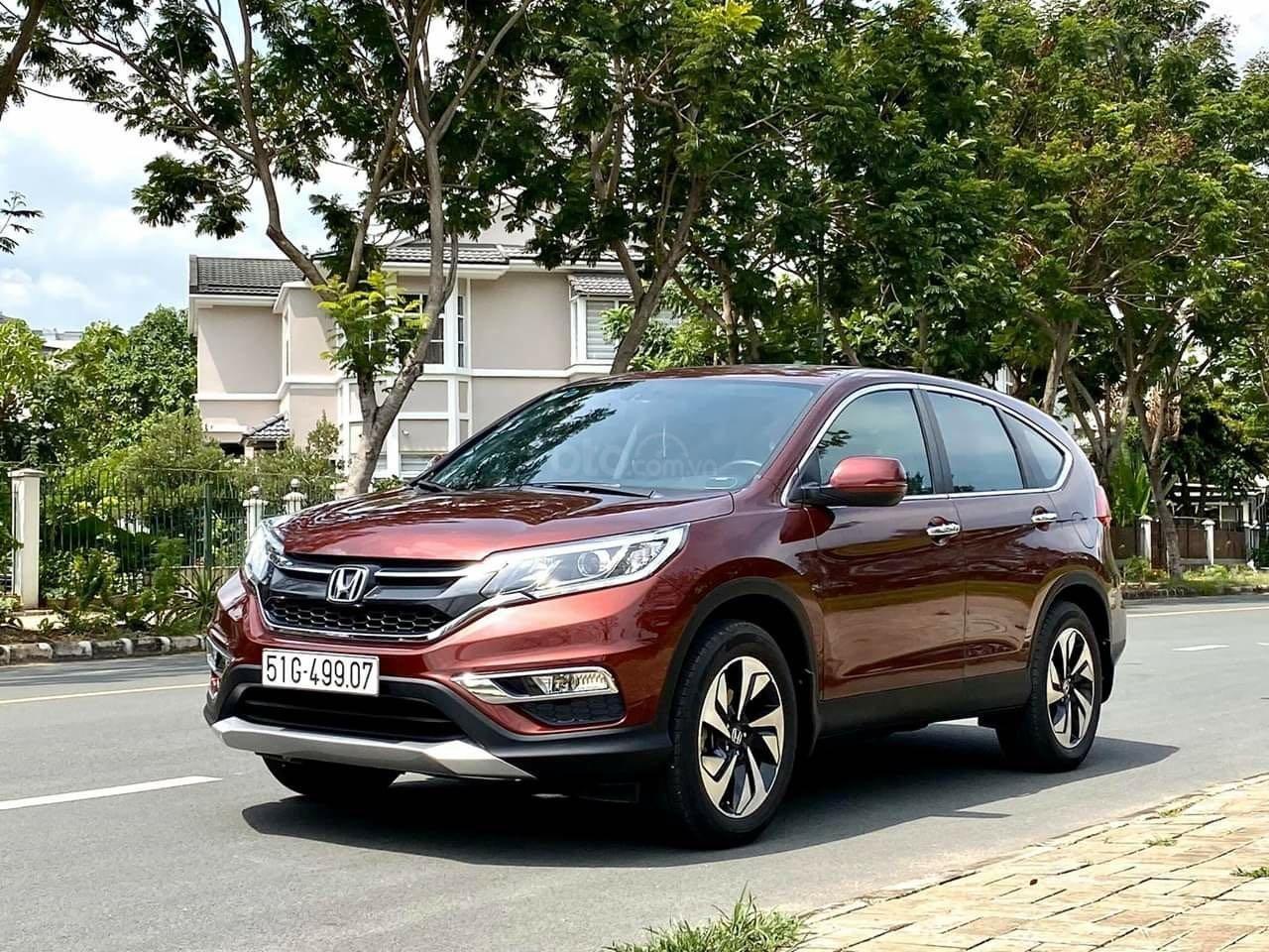 Bán ô tô Honda CR V đăng ký lần đầu 2017, màu nâu chính chủ (1)