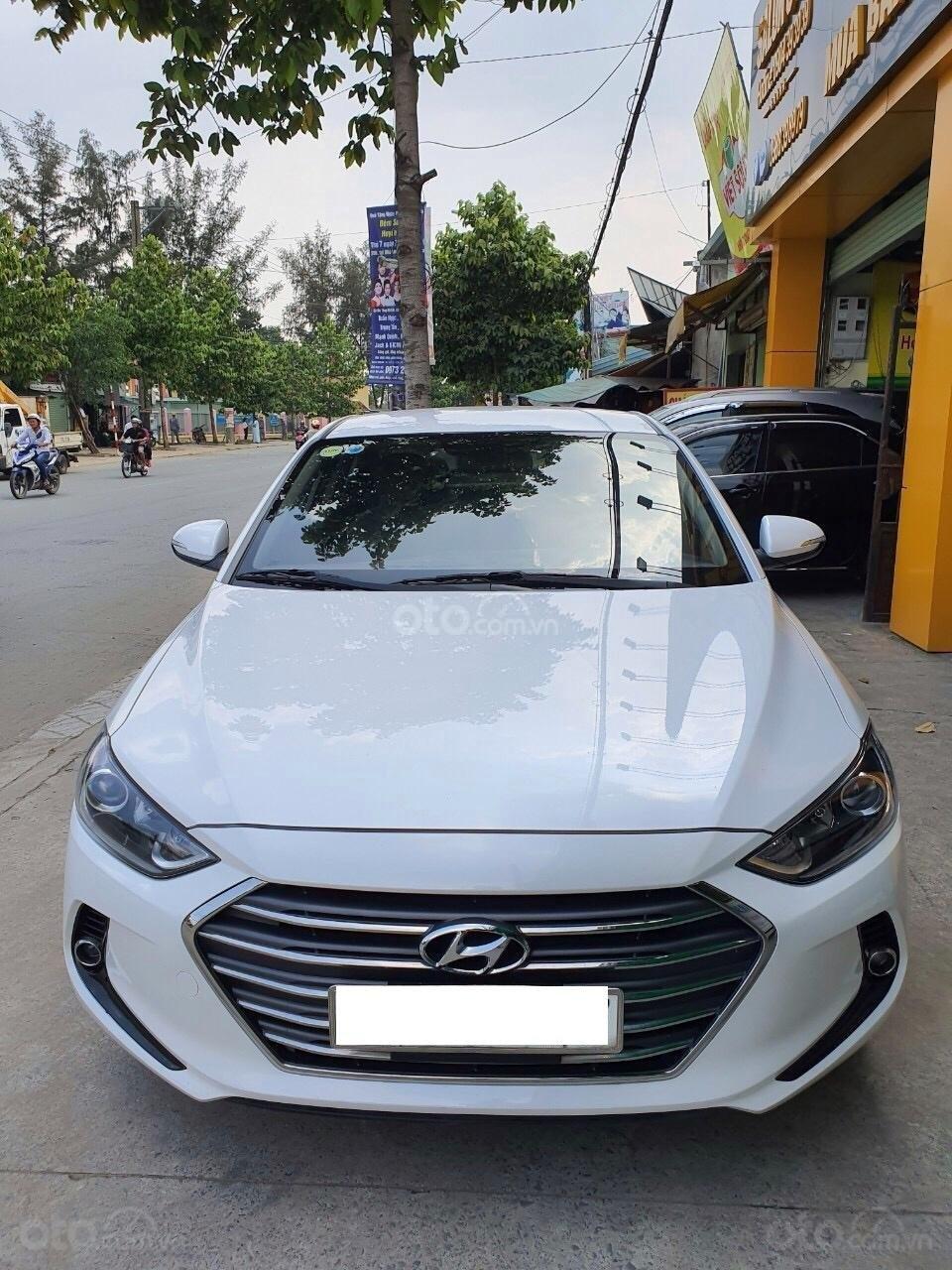 Hyundai Elantra 1.6 MT - 2016 (8)