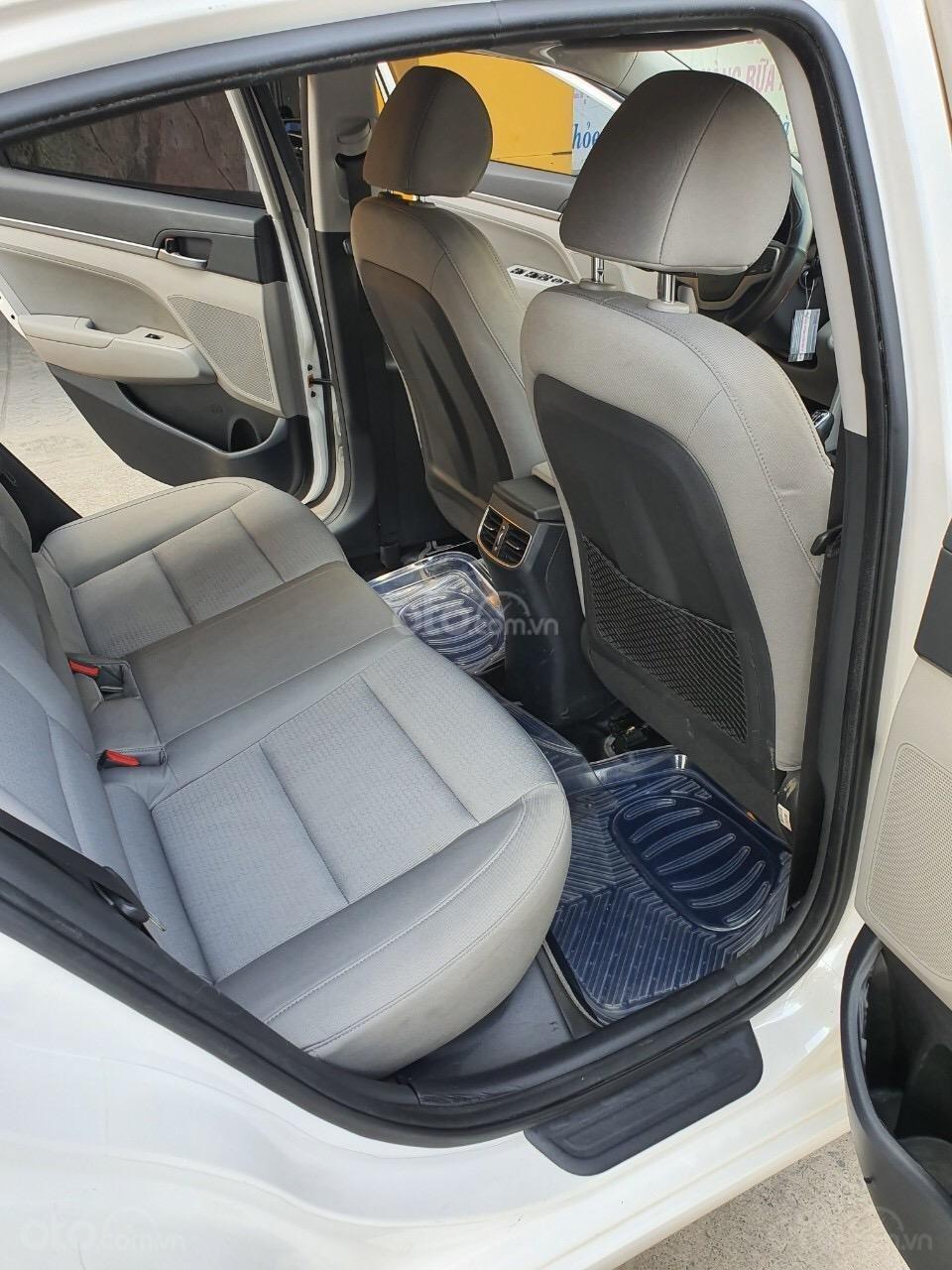 Hyundai Elantra 1.6 MT - 2016 (2)