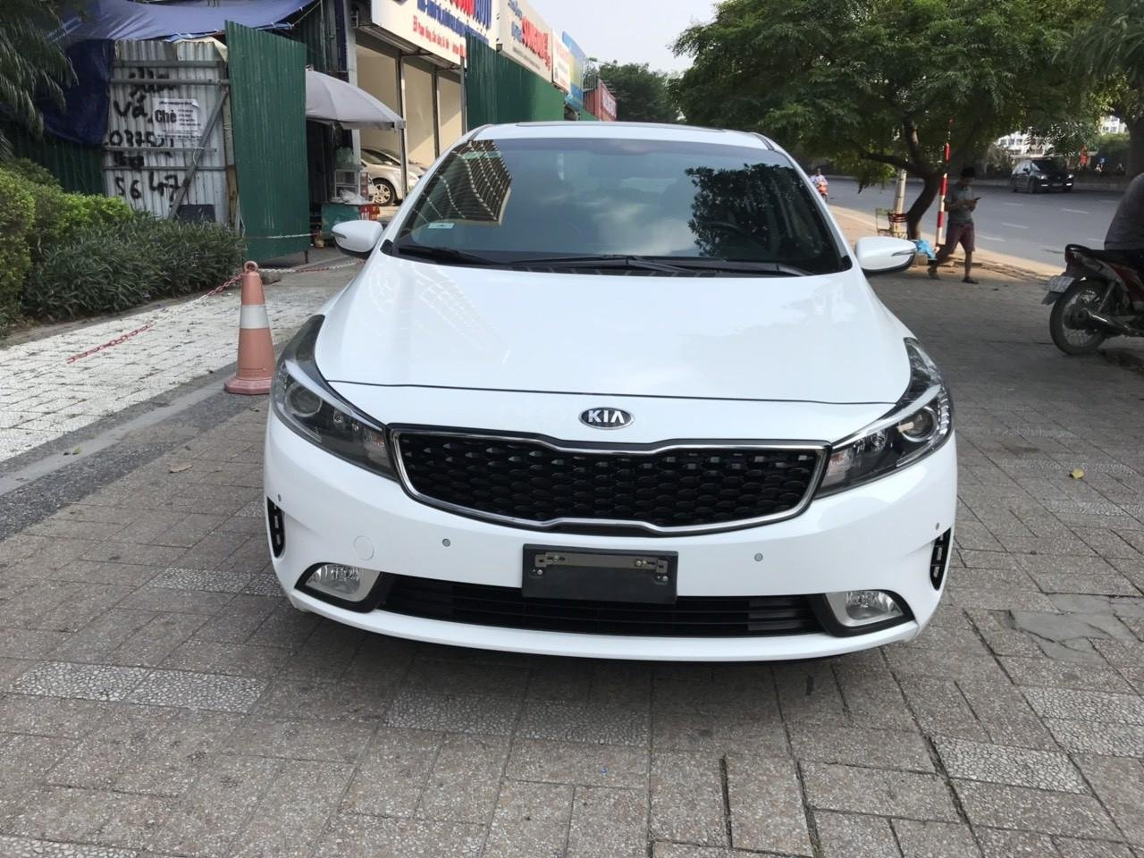 Bán xe Kia Cerato 1.6AT sản xuất 2017, màu trắng (1)