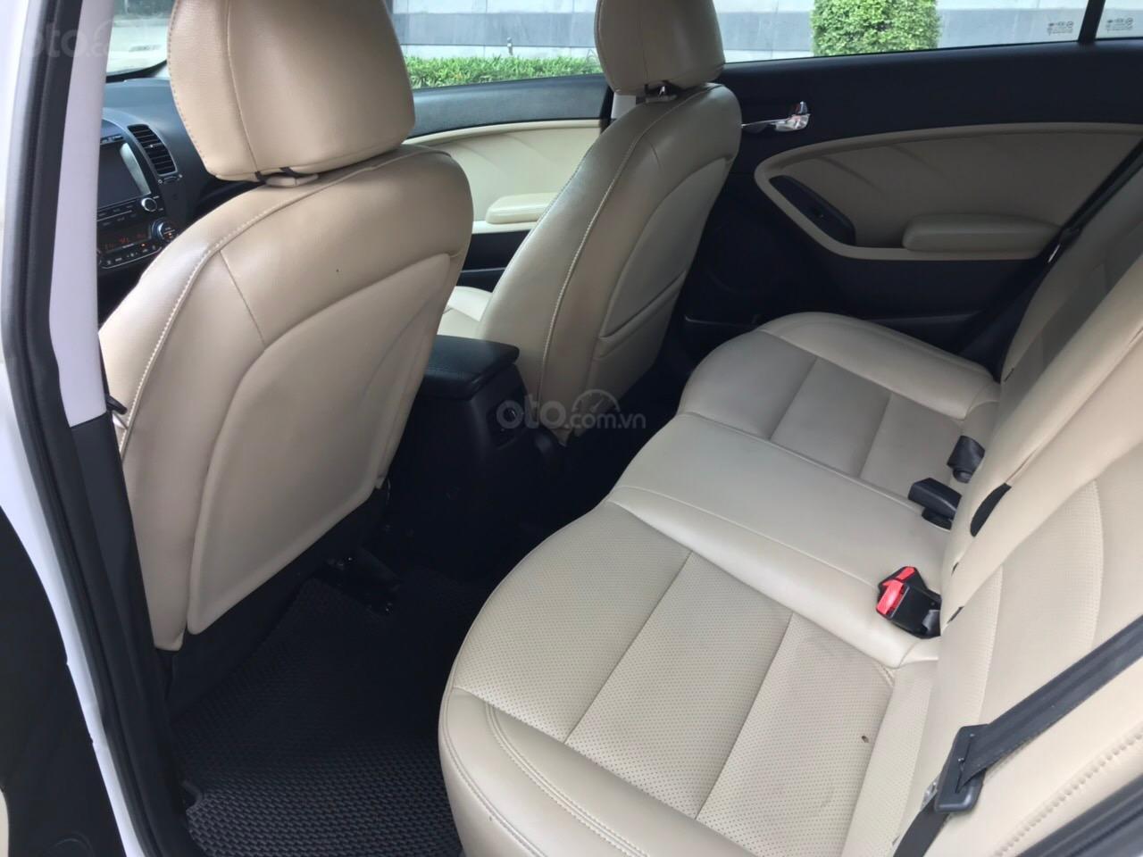 Bán xe Kia Cerato 1.6AT sản xuất 2017, màu trắng (10)