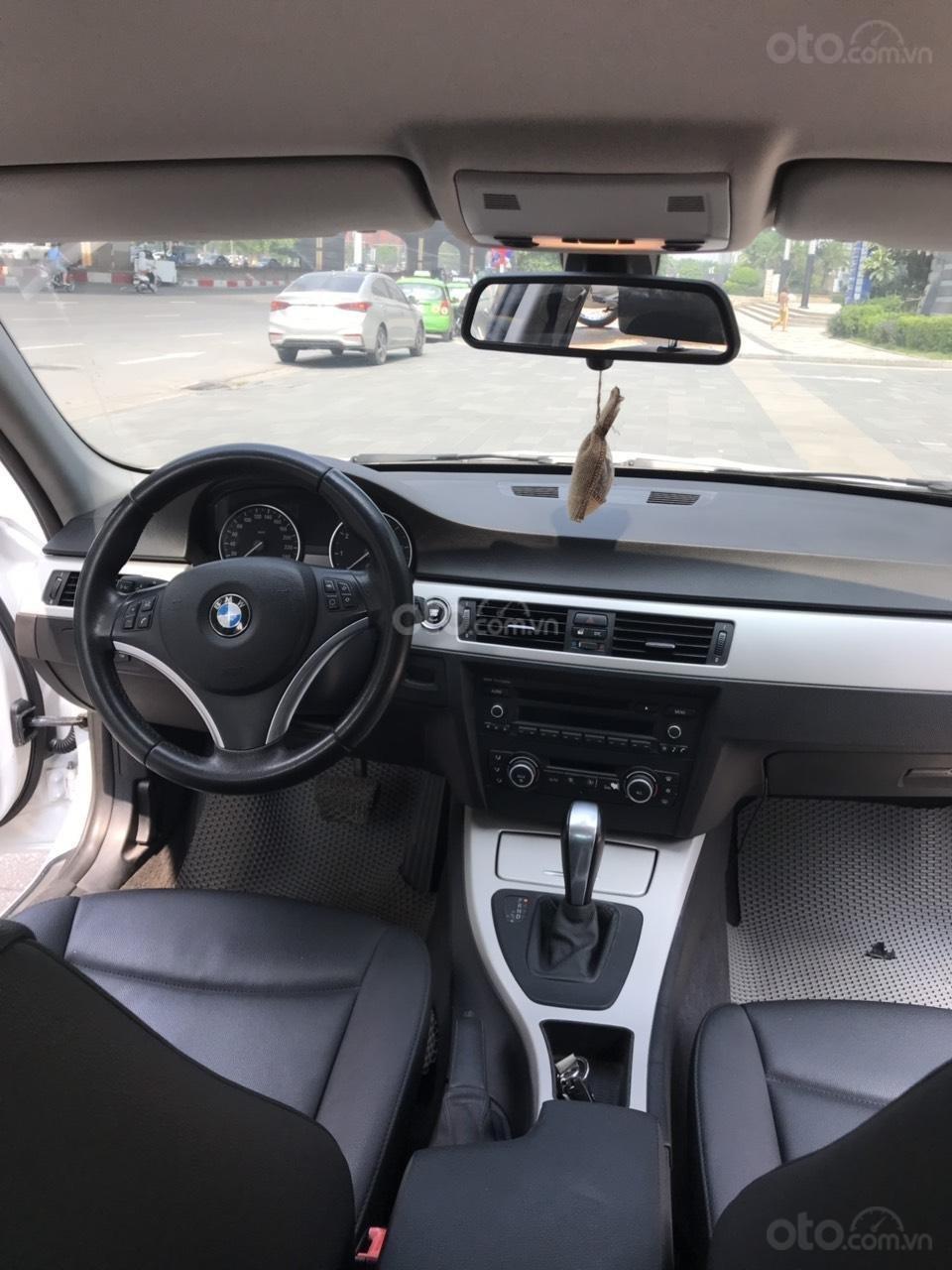 Bán xe BMW 325i sản xuất năm 2010, màu trắng, nhập khẩu (7)