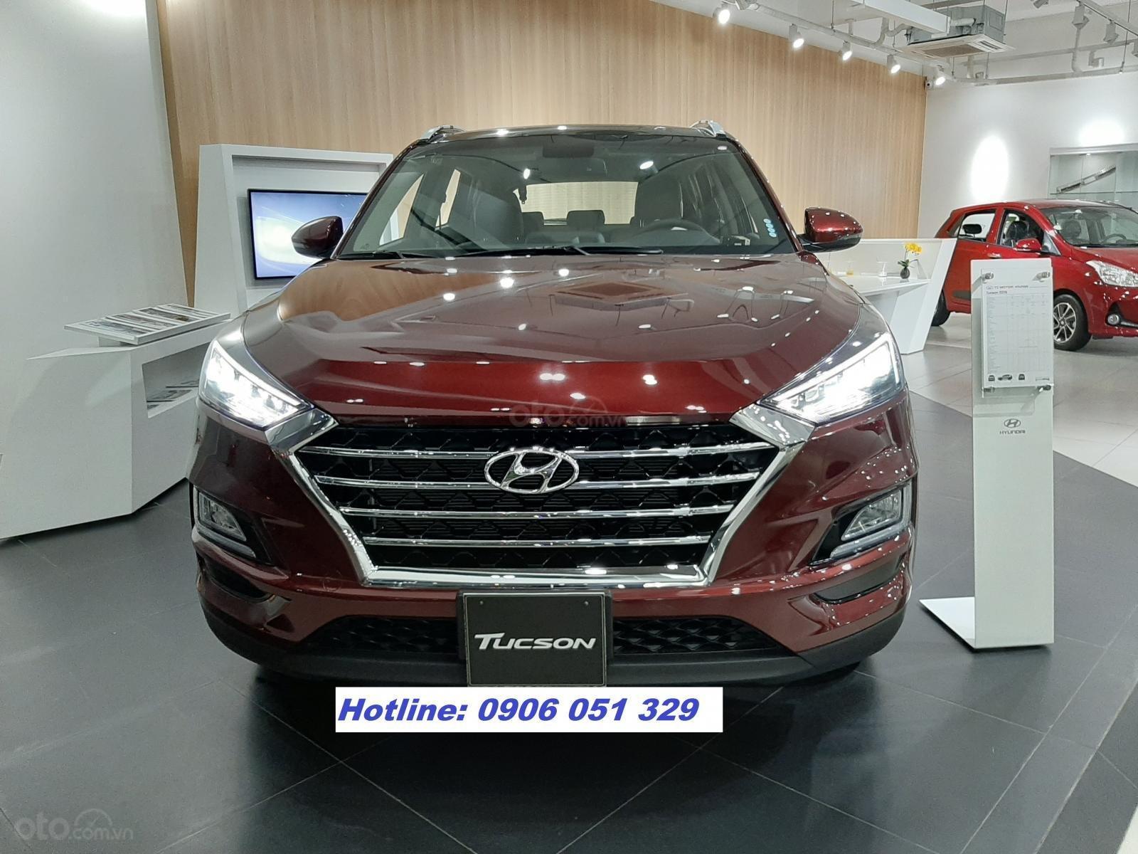 Hyundai Tucson bản FULL, giảm giá khủng, 250tr nhận xe (1)